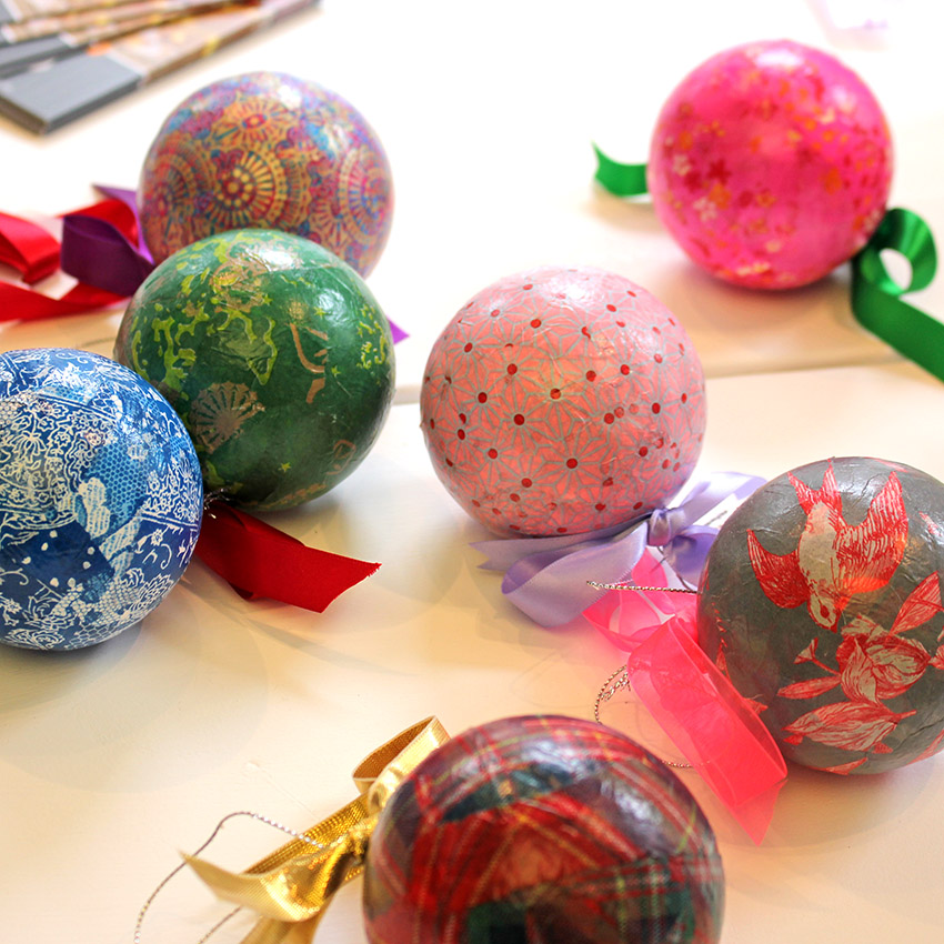 how to make your own christmas baubles - How To Make Your Own Christmas Decorations