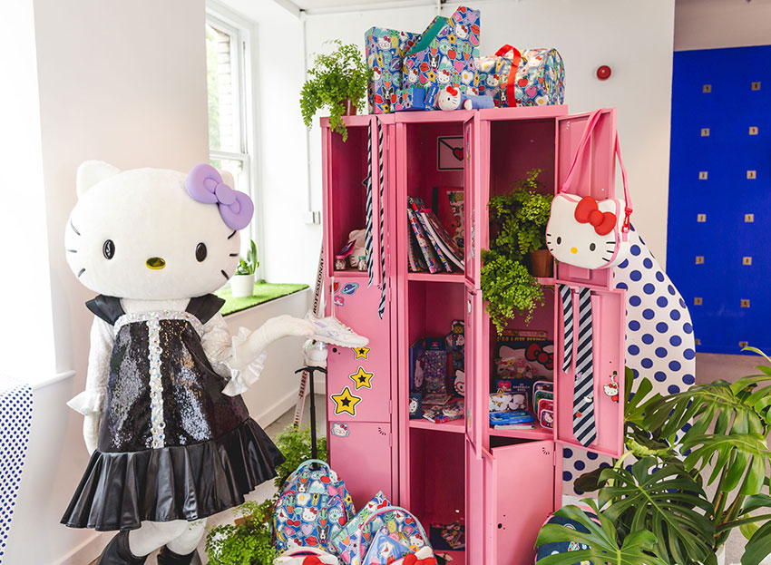 PAPERCHASE-HELLO-KITTY-BACK-TO-SCHOOL