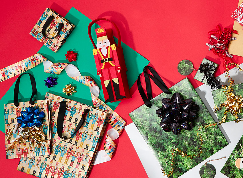 PAPERCHASE-CHRISTMAS-GIFT-WRAPPING