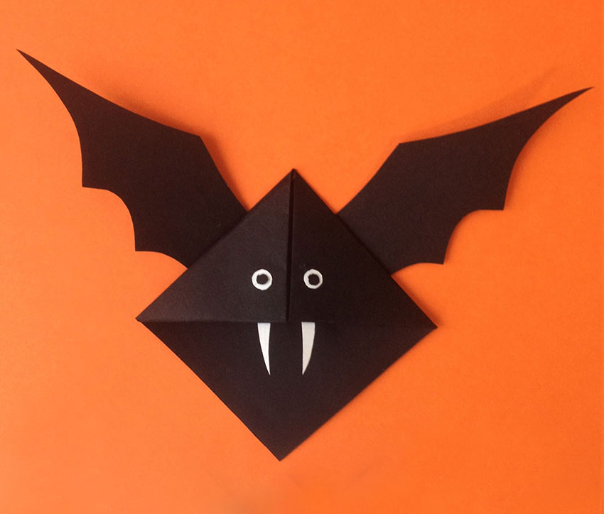 PAPERCHASE-HALLOWEEN-BAT-BOOKMARK-CRAFT-10