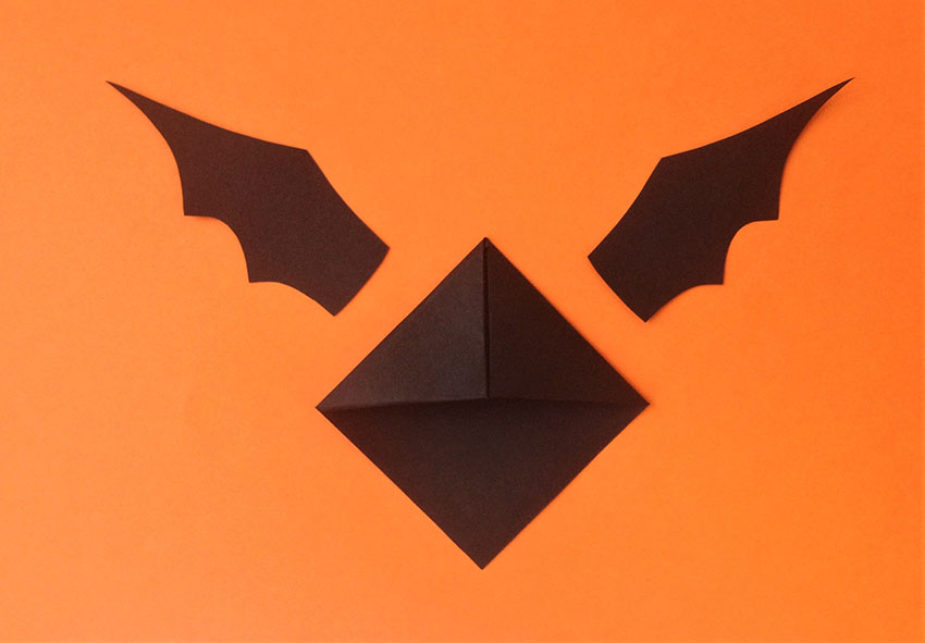 PAPERCHASE-HALLOWEEN-BAT-BOOKMARK-CRAFT-8