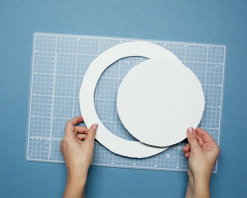 Paperchase-how-to-make-a-christmas-wreath-step-two