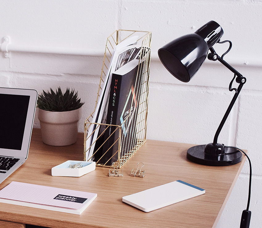DESK-MAKEOVER-HOME-OFFICE-MAGAZIEN-FILE