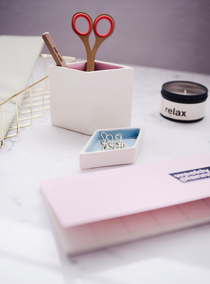 DESK-MAKEOVER-HOME-OFFICE-STATIONERY-2