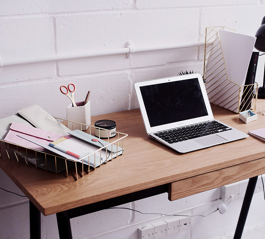 DESK-MAKEOVER-HOME-OFFICE-STATIONERY