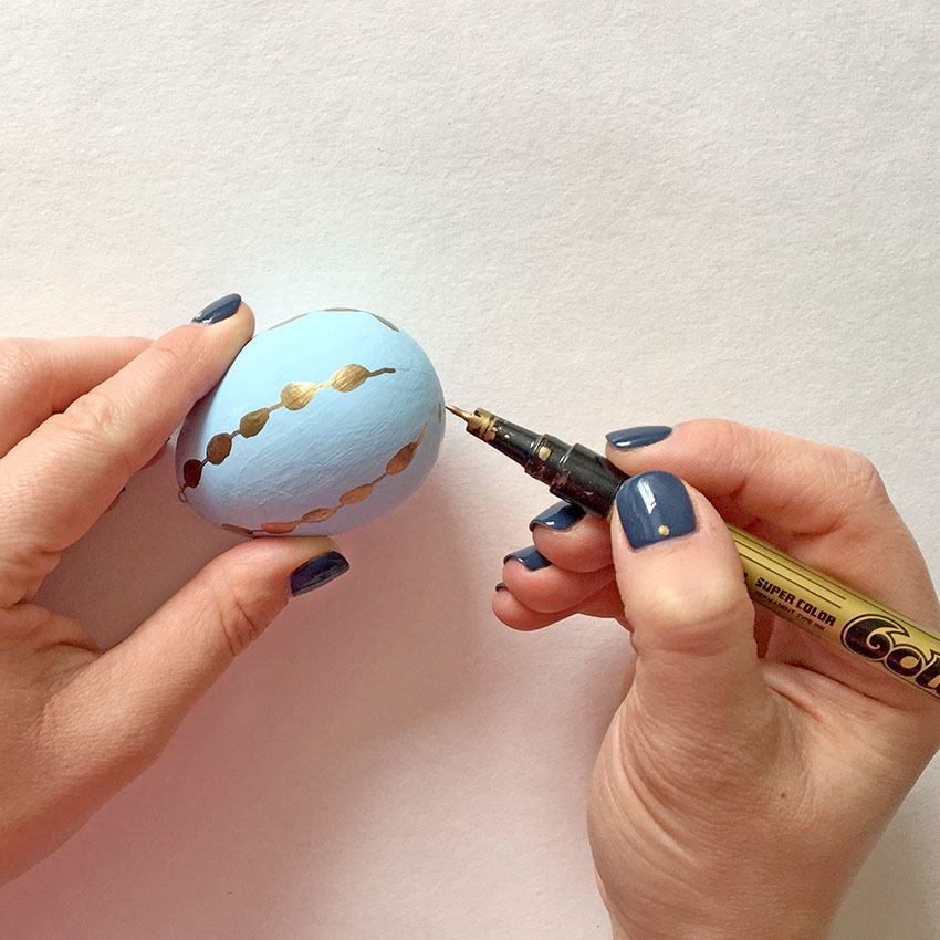 PAPERCHASE-EASTER-EGG-DECORATING-GOLD-PATTERN