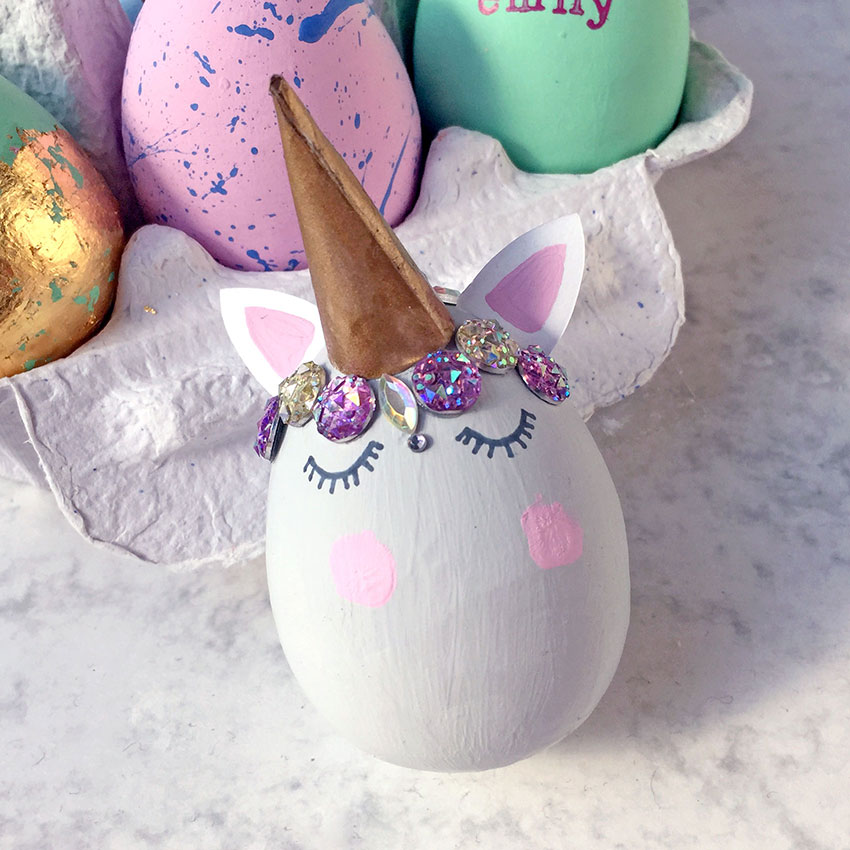 PAPERCHASE-EASTER-EGG-DECORATING-UNICORN-LOW-2