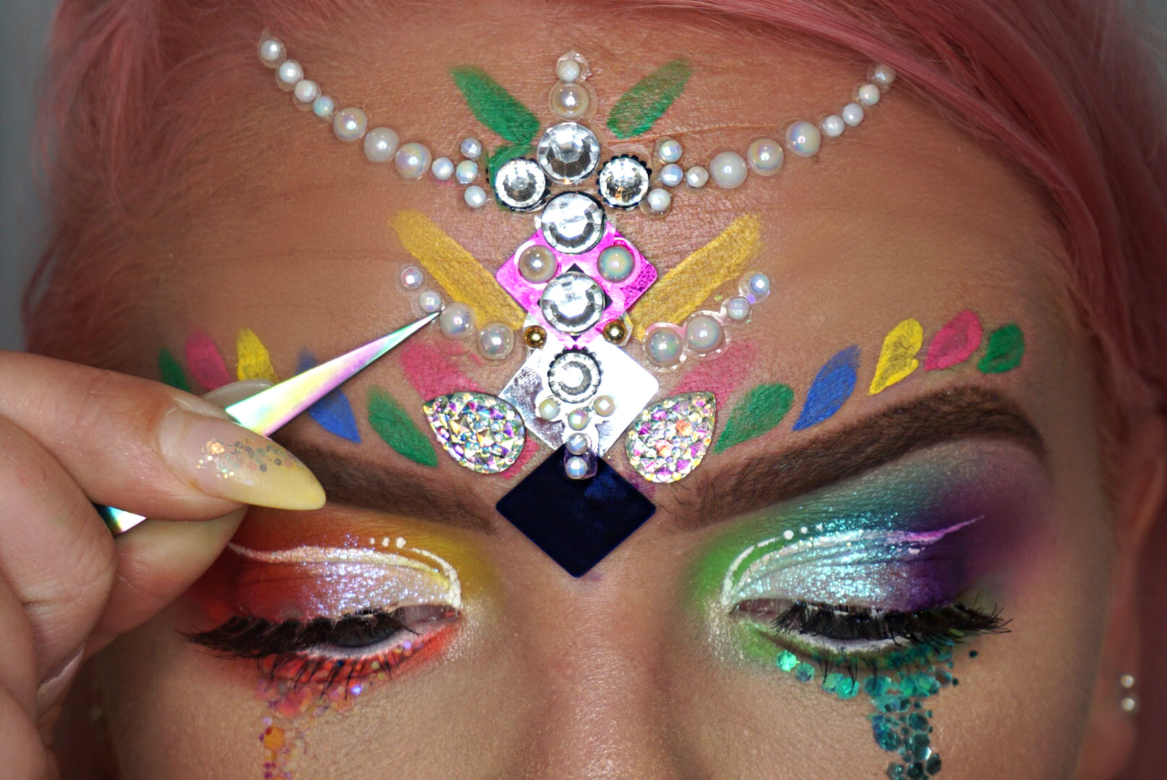 HOW-TO-DO-PRIDE-MAKEUP-7